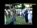 When A White Guy Visits An Indian Concert - Chinese Happy Music Edit