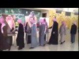 WTF Is This Wierd Saudi Costume...?!? Explain