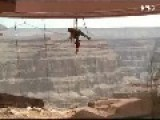WORKERS Clean GRAND CANYON Skywalk == Not For Those With Acrophobia