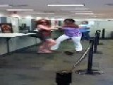 Women Starts Fighting Each Other