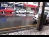 Woman Attempting To Park - Very Funny !