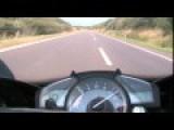 Yamaha R1 Vs Porsche 299+ Km H
