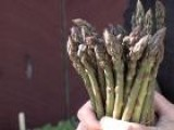 How To Make An Asparagus Salad With Lemon Vinaigrette