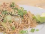 How To Cook Thai-Style Chicken Noodles