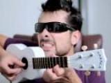 Mystery Guitar Man' S Tiny Version