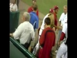 Erin Andrews Confronts A Fan