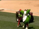 Phillie Phanatic And Paula Abdul Dancing