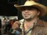 2011 CMA Awards Backstage: Jason Aldean &#8216 Couldn&#8217 T Be Happier&#8217 About His Win
