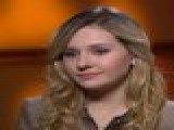 Abigail Breslin Talks Working With Sarah Jessica Parker On &#8216 New Year&#8217 S Eve&#8217