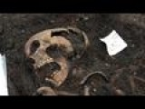 Archaeologists Dig Up 3,000 Skeletons At London Site