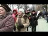 Russians Pay Tribute To Slain Opposition Leader Nemtsov