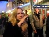 Amanda Seyfried Se Esconde De Los Paparazzi En El ArcLight Cinemas Hollywood