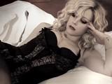 Avril&#039 S Ultra-Sexy Striptease