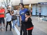 Boo Boo Stewart Y Su Hermana Adorable En The Grove