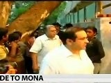 Bollywood Prays For Mona Kapoor