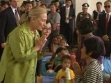 Clinton Meets Thai Flood Victims