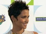 E! News Now Halle Berry Secretly Engaged