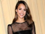 E! News Now Jessica Alba&#039 S Racy Little Black Dress
