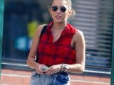 E! News Now Miley Cyrus Caught In Mom Jeans