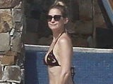 E! News Now Hudson&#039 S Post-Baby Bikini Figure