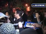 Ryan Reynolds Signs Autographs At Scream 2010
