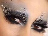 Get New Year&#039 S Eve Glitter And Glamour