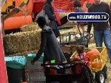 Halle Berry And Daughter' S Amazing Pumpkin Patch Play!