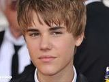 Justin Bieber&#039 S Bodyguard Punches Out Photographer