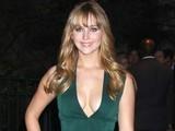 Jennifer Lawrence Turns Heads