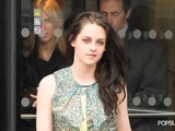 Kristen Stewart&#039 S Paris Fashion Week Outfit