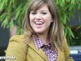 Kelly Clarkson Announces &ldquo Dark Side&rdquo As Her Next Single
