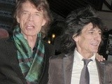 Keith Richards And Mick Jagger Kiss & Make Up