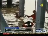 RAW VIDEO: Indonesia&#039 S Golden Gate Bridge Collapses
