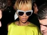 Rihanna&#039 S Mystery Neck Mark At BRYS Afterparty