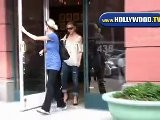 Sarah Michelle Gellar Leaves Anastasia Salon