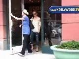 Sarah Michelle Gellar Leaves Anastasia Salon