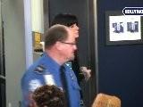 Sandra Bullock Ushered To Front Of Line At LAX