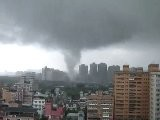 Sina Video Tornado In Taipei 龍捲風 @ 新店市區 2011.5.12
