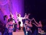 Sina Entertainment 赵欣瑜演唱会激动为那英下跪