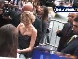Taylor Swift Loves Her Fans At Hannah Montana Premiere