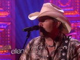 The Ellen Show Toby Keith Performs &#039 Red Solo Cup&#039