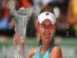 Agnieszka Radwanska Defeats Maria Sharapova