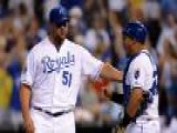 Royals Hold Off Anemic Twins