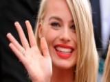 'Focus' Star Margot Robbie Has Sticky Fingers