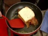 Cooking With 'Friends': Billy Ray's PB & Banana Sandwich