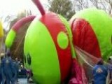 Spectators Bundle Up For Thanksgiving Parade In New York