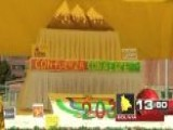 Around The World: La Paz Celebrates With 20-foot Cake