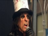 Alice Cooper Performs 'School's Out'