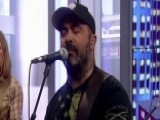 Aaron Lewis Performs 'That Ain't Country'