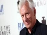 Actor James Woods Tries To Help Suicidal Veteran On Twitter